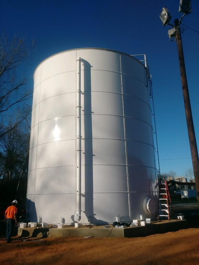 Flat-panel-bolted-steel-tanks