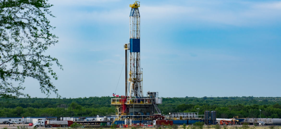 Fracking American Shale Well - Eagle Ford Basin Oil